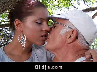 Big dick oldman fucks his much younger sexy girlfriend | big cockgirlfriendold and youngold mansexy