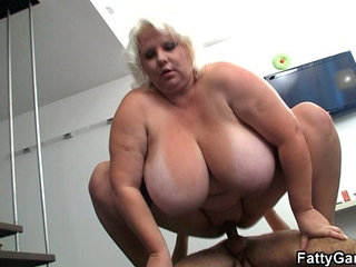 Big tits blonde sucks and rides after photosession | big titsblonderiding