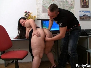 Office fatty seduces hot guy | gayofficeseduction