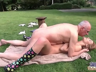 Young Old Porn Beautiful Teen Giving Blowjob and fucked by grandpa outside | beautifulblowjobgrandpaold and youngwild